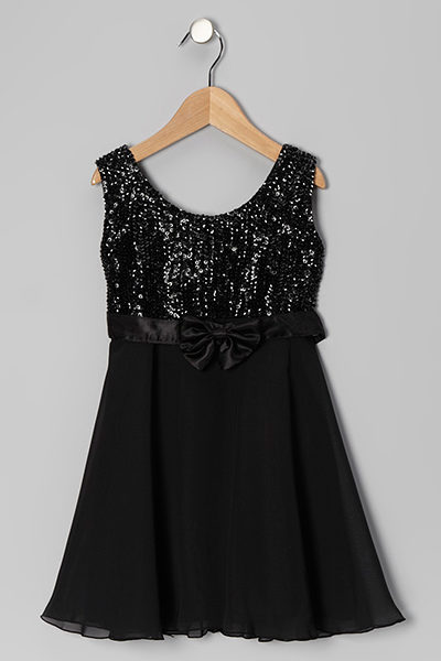 BLACK-SLEEVELESS-WITH-BOW-DRESS